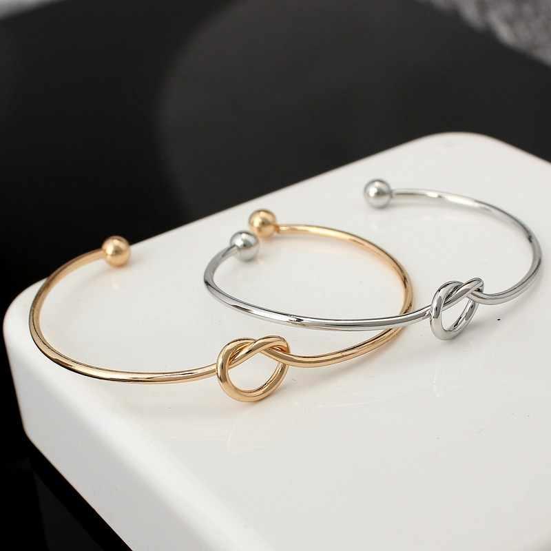 ef4a91c1d2bf Mossovy Simple nudo amor pulseras de brazalete para mujer de moda de anillo  de mano de
