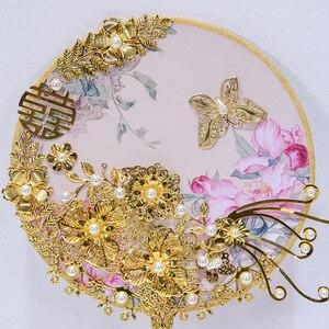 Image 3 - Kyunovia Kore Fan Tipi Gelin Buket Kristal Çiçek Kız Buket Altın Çiçek Kız Değnek Gelinlik Buketi D90