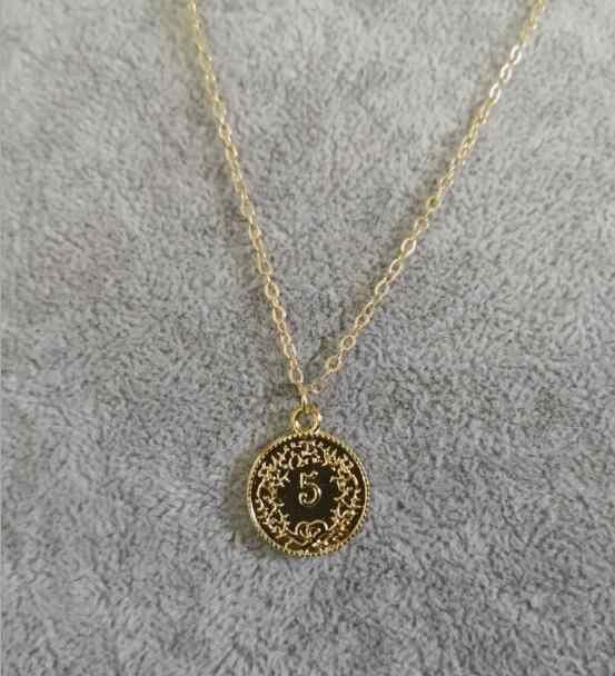 Vàng Màu Bạc Tròn Đồng Tiền Mặt Dây Chuyền Vòng Đeo Cổ cho Nữ Đơn Giản Chân Dung Charm Vòng Cổ Bèo Xếp Tầng Cổ Quà Tặng