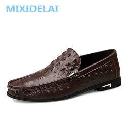 MIXIDELAI jesień wzór krokodyla skórzane buty osobowości wygodne wsuwane mężczyźni mokasyny jazdy męskie buty Chaussure Homme Haute
