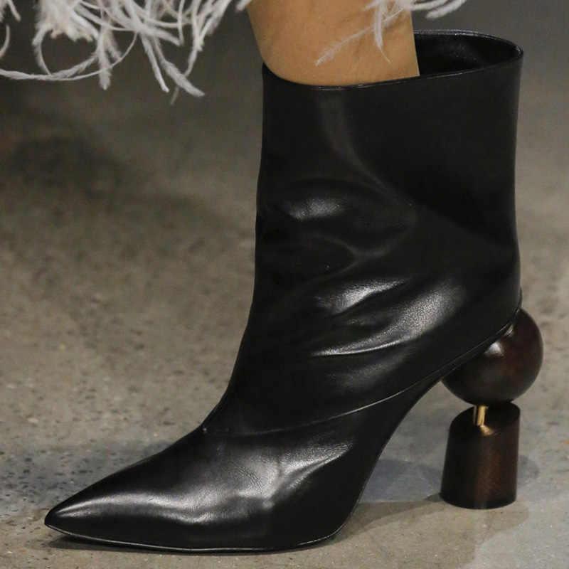 2018 Yeni yarım çizmeler Kadın Sivri Burun Topu Blokları Garip Topuk Çizme Kadın Siyah Kırmızı Altın Beyaz Gerçek Deri Çizmeler