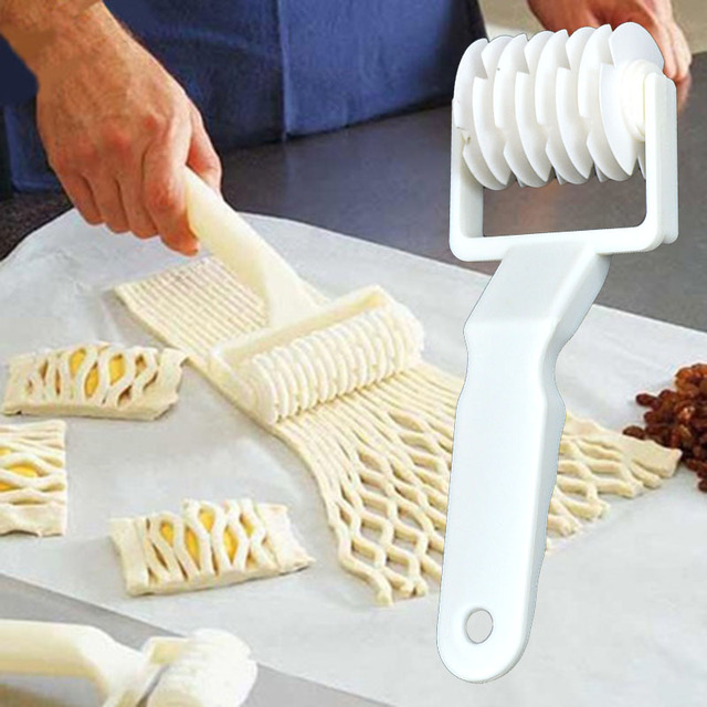 Useful Plastic Baking Tool Cookie Pie Pizza Bread Pastry Lattice Roller Cutter