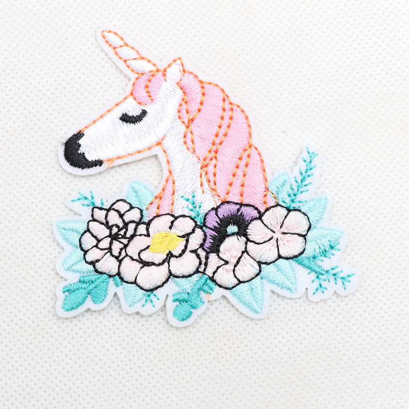1pcs Pink Horse Unicorn Patch Animal Patches Embroidery Iron On Flowers Applique For Clothes Dresses DIY Accessory Badge