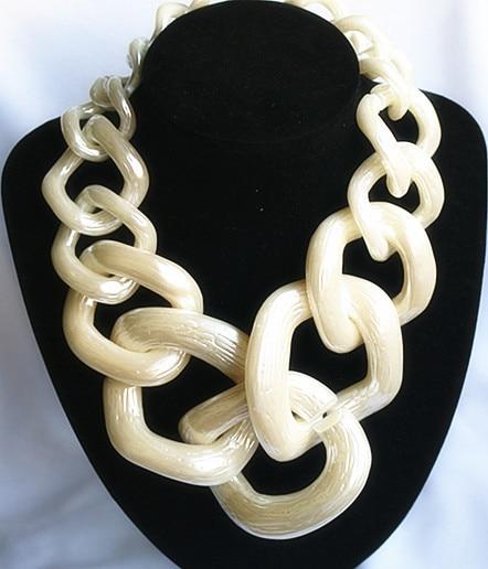FishSheep հայտարարություն Big Chunky Chain Choker մանյակ վզնոց կանանց համար, Ակրիլային մեծ վզնոցներ և կախազարդեր Կանացի նորաձևության զարդեր