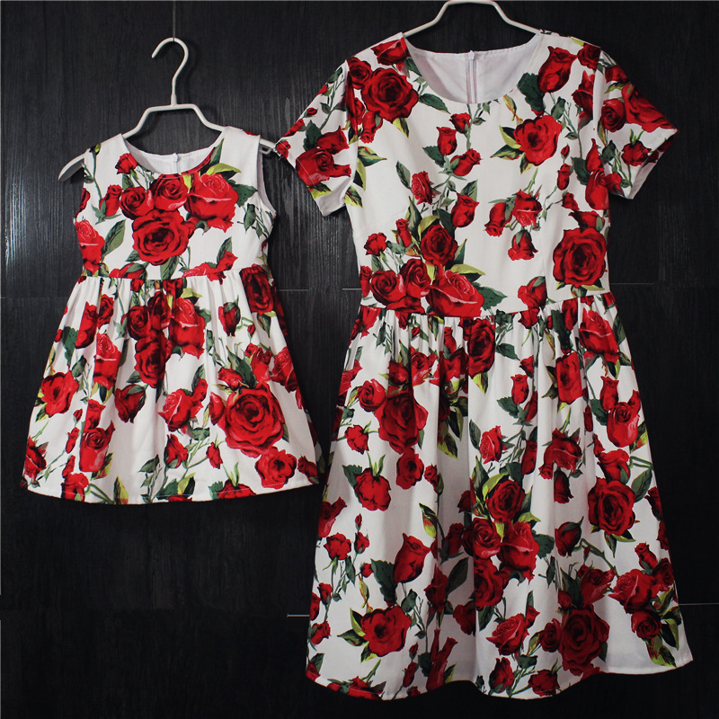 все цены на brand kids pleated cotton rose flower dress family matching outfit baby girls clothes mother daughter dress mom and girl dresses