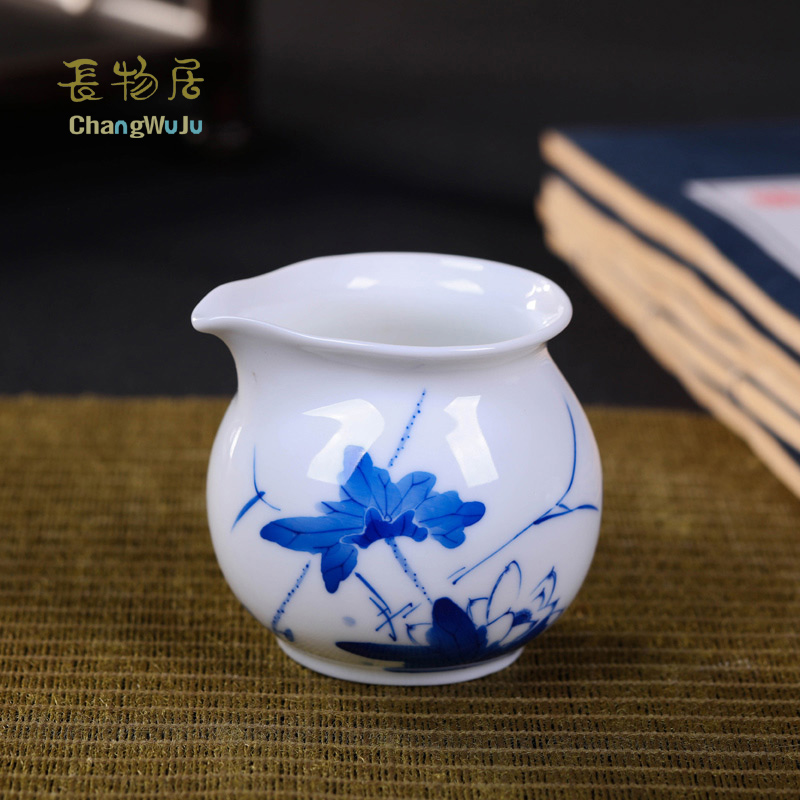 Changwuju in Jingdezhen teapot the hand painted blue and white Kung-Fu tea fair cup by handmade puer tea longquan celadon Changwuju in Jingdezhen teapot the hand painted blue and white Kung-Fu tea fair cup by handmade puer tea longquan celadon