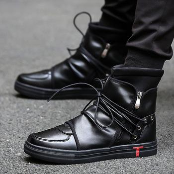 Hip Hop Dance mężczyźni miękka skóra biały buty moda High Top mężczyźni casual buty oddychający krzyż związany Kanye West buty czarny tanie i dobre opinie ŻCHEKHEN Masz Kostki Buty motocyklowe Okrągły palec Tkaniny Gumowe Sznurowane Wiązane krzyżowe Wiosna jesień Geometryczne