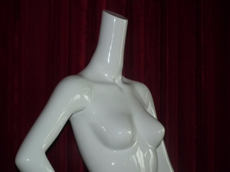 EMA-W032B_mannequin_01