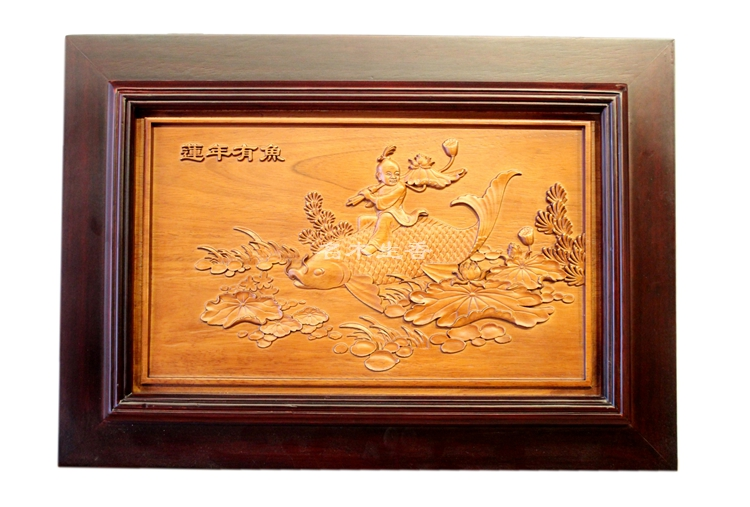 Dongyang wood carving in Ming and Qing Dynasties classical wood relief sculptures is a screen wall plaque hanging inside year af flower and wood board wall hanging
