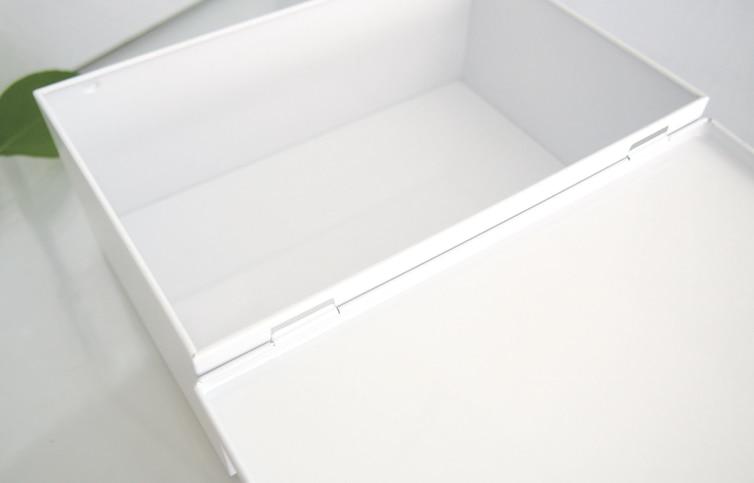 Купить с кэшбэком 195X130X69mm New Arrival Rectangle  big white sundries storage box  biscuit case organizer trinket tin box with hinge 12pcs/lot