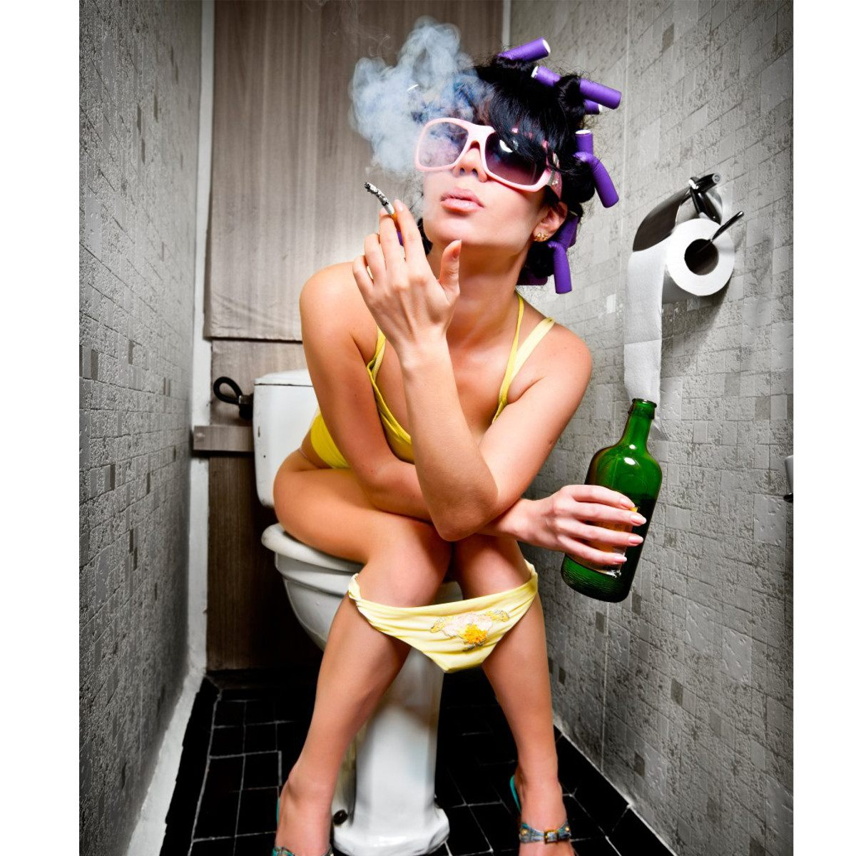 Girl IN TOILET Drinking and Smoking Picture red Print On FRAMED Canvas Wall Art