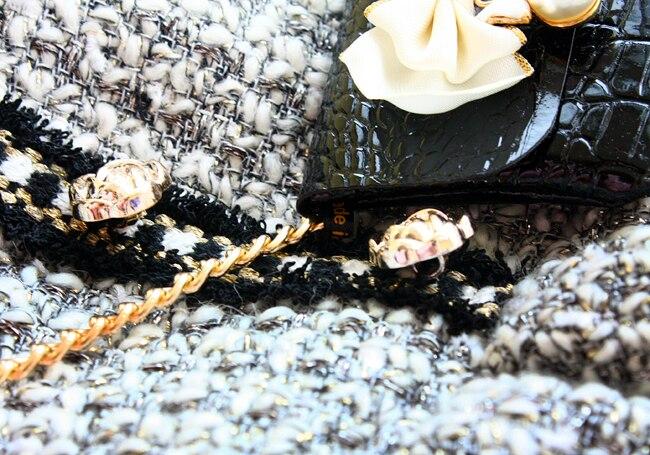 Livraison gratuite à la main chien vêtements vintage C style gris tweed imitation crocodile sac en cuir chien robes automne hiver printemps-in Robes chien from Maison & Animalerie    3