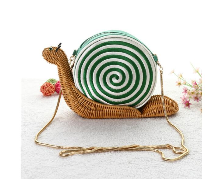 2018 Women Mini Snail Shape Personalized Rattan Fashion Woven Shoulder Bag Clutch Party Casual Messenger Straw Clutch Wicker bag цена 2017
