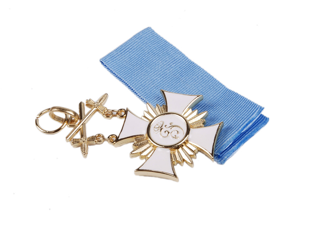 WWI GERMAN FREDERICK THE GREAT CROSS MEDAL BADGE WITH RIBBON-38045