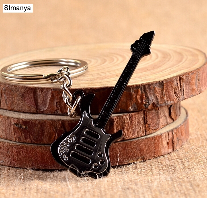 New Design Cool Luxury metal Keychain Car Key Chain Key Ring Guitar instrument violin pendant For Man Women Gift wholesale 17223