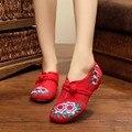 Мода Китайский Стиль Квартиры С Мэри Джейн Мягкой Подошвой Вышивка Повседневная Обувь Размер 35-40 Красный + Черный Ретро ткань Танцевальная Обувь Женщина