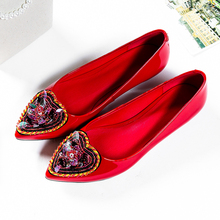 Women's Low Heel Comfortable Pumps Beading Decoration Heart-shaped Pointed Toe Brand Designer Slip-on Heeled Shoes Women Heels