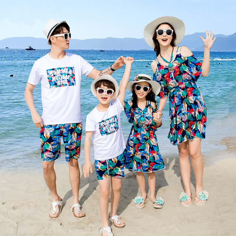 2019 Summer Family Matching Clothes Mother Daughter Dresses Father Son Outfits Cotton Short-sleeve T-shirt Family Look Holiday