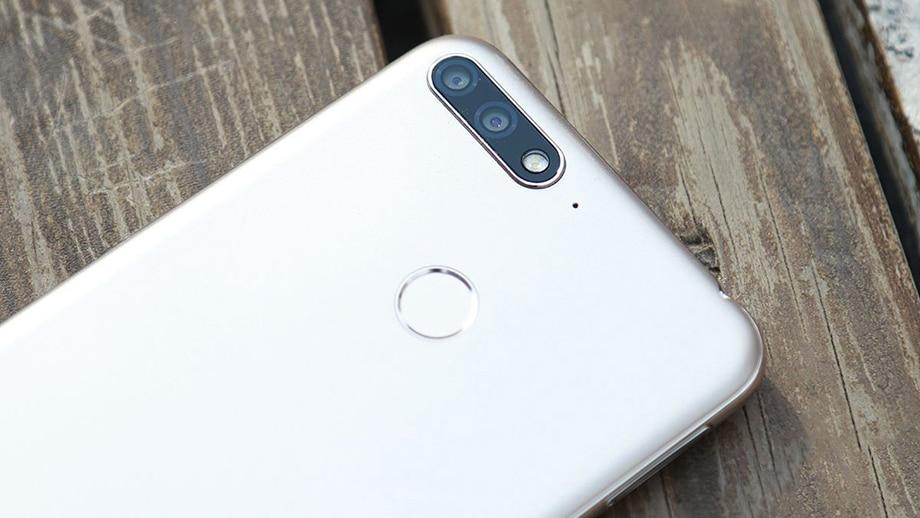 "HuaWei Enjoy 8E 4G LTE мобильный телефон Octa Core Android 1440 5,7 ""ips 8,0X720 3 ГБ оперативная память 32 ГБ Встроенная 13.0MP отпечатков пальцев уход за"
