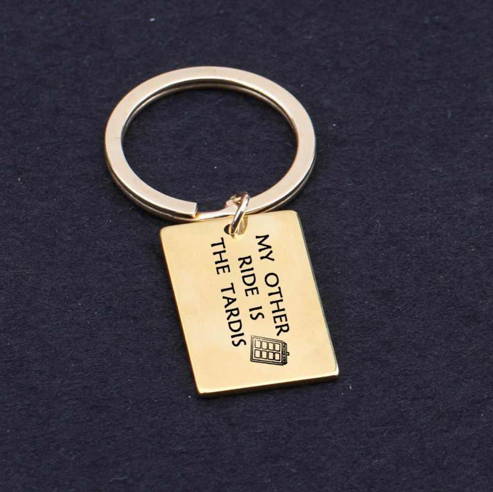 Engrav Lain Perjalanan TARDIS Gantungan Kunci Hadiah untuk Pasangan Kekasih Keluarga Gantungan Kunci Tas Pesona Driver Kunci pemegang Trucker Mobil