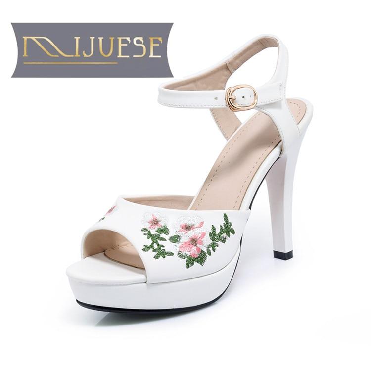 MLJUESE 2018 mujeres sandalias de verano estilo bordado color blanco peep toe plataforma tacones altos mujeres tamaño 34 42-in Sandalias de mujer from zapatos    1