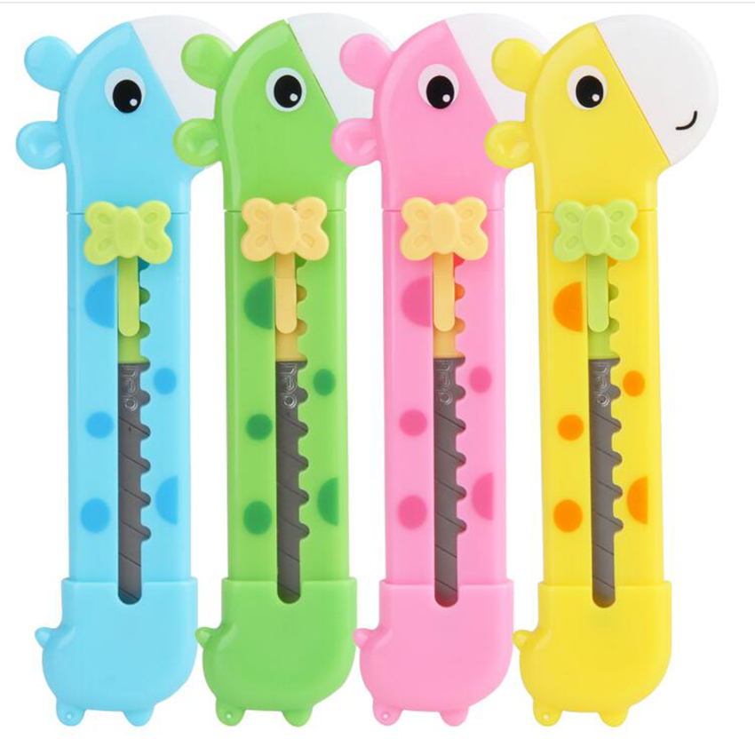 1PC Lovely Small Giraffe Paper Cutting Knife Letter Opener Box Cutter Plastic Utility KnifeSchool Chancery Stationery Supplies