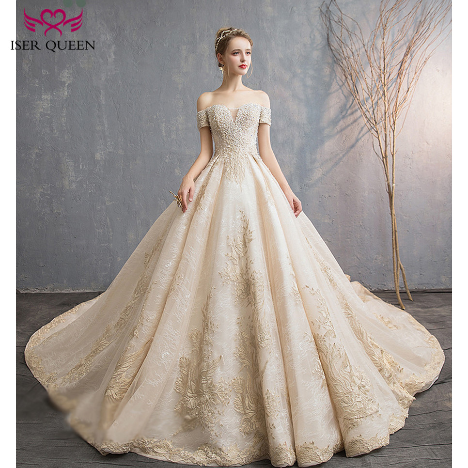 Pearls And Beading Cap Sleeves V-neck Champagne Fancy Embroidery 2019 European Wedding Gown Lace Up Ball Gown Big Train Wx0144