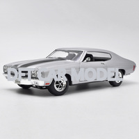 1:18 scale Alloy Toy Vehicles 1970 Chevelle SS 454Car Model Of Children's Toy Cars Original Authorized Authentic Kids Toys
