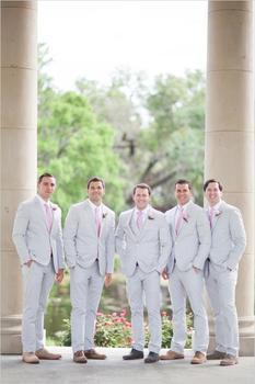 2017 Light Grey Mens Suits Tuxedo Style Groomsmen Suits Best Men Wedding Custom Made Three Pieces (Jacket+Vest+Pants)