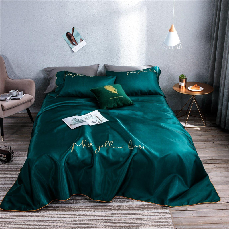 Cool Soft Summer Cold sleeping mat Embroidered thin bedspread Gold arc edge Luxury luster Bed Sheet Pillowcases 3pcsCool Soft Summer Cold sleeping mat Embroidered thin bedspread Gold arc edge Luxury luster Bed Sheet Pillowcases 3pcs