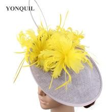 """Piume gialle da donna cappelli grigi da modi"""" fascinator copia lino derby kendeucky cappellini abiti da sposa eleganti copricapo occasione"""