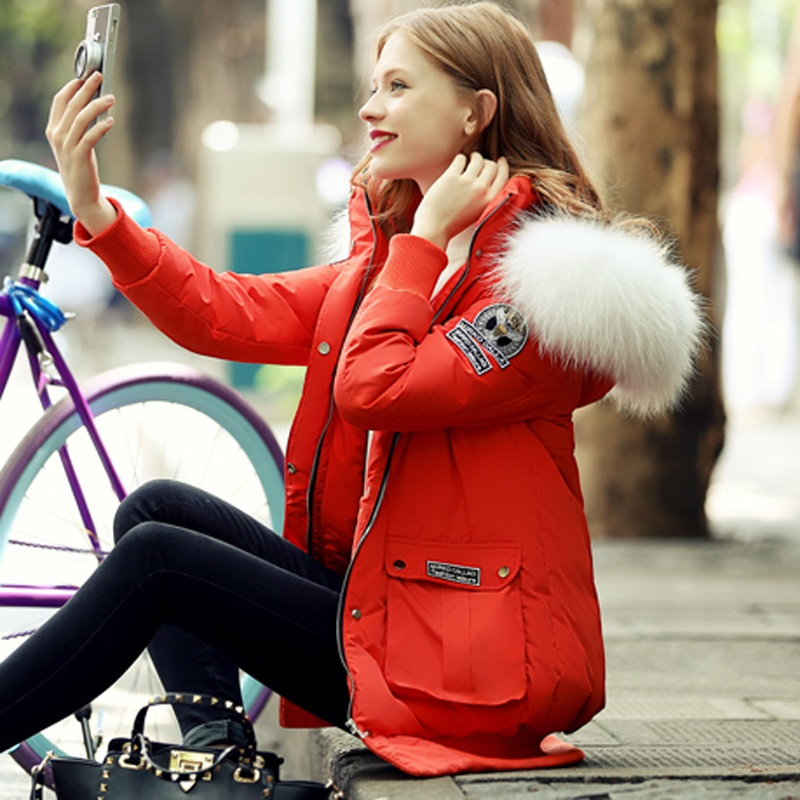2015 Quality White Duck Down Length Raccoon Fur Collar Coat Seiko Produced Fashionable With Epaulettes Thick Warm Jacket