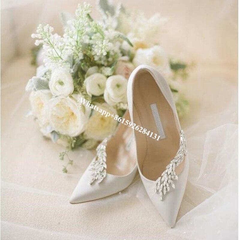 ФОТО White/Black Satin Nadira Jeweled Bridal Pumps Runway Fashion Pointy Toe Evening Pumps Women Wedding Party Dress Shoes Woman