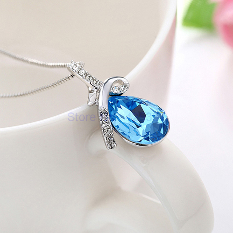 bermuda blue crystal rhombus piece pendant growing swarovski