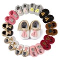 Romirus marca mocasines bebé newbron bebé zapatos primer caminante suaves antideslizantes del bebé zapatos de niño de cuero suave zapatillas