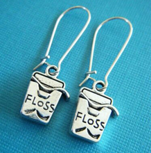 Hot Wholesale Fashion Jewelry 50 Pair Vintage Silver  Small Dental Floss Charm Pendants Dangle Earrings For Womens DIY Z287