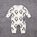 2016 весной 100% хлопок мальчик одежды девочка комбинезон детская одежда пингвин напечатаны детская одежда с длинным рукавом младенческой комбинезон