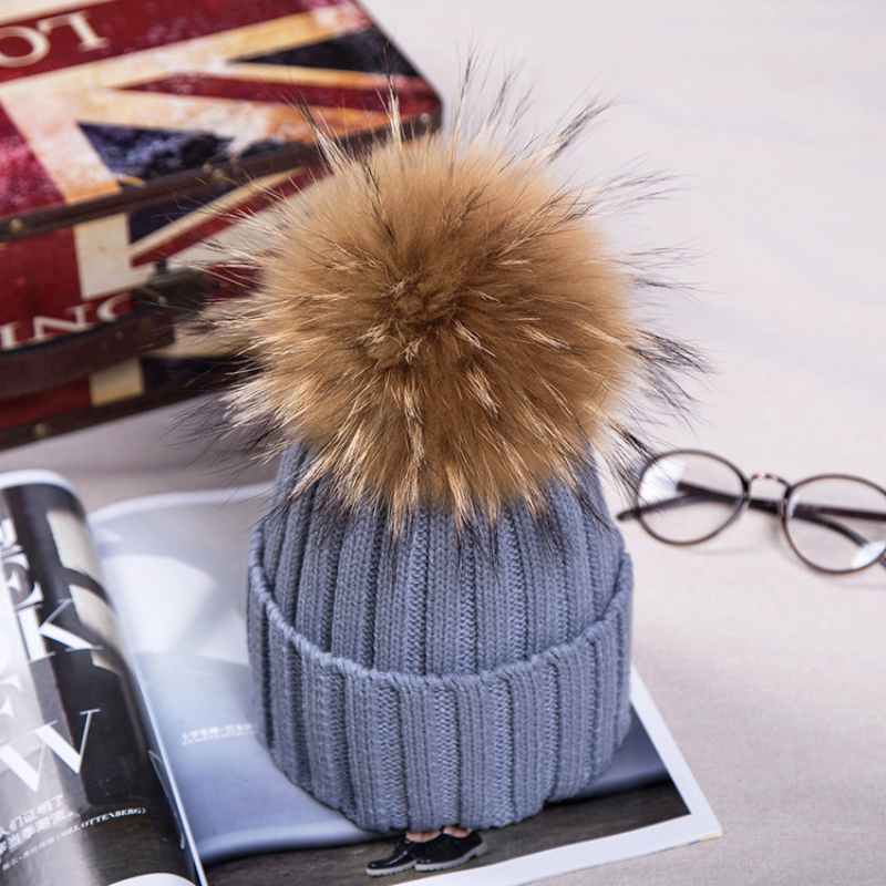 15cm Pom Poms Winter Hat For Women Girl 's Real Raccoon Ball Wool Hats Thick Female Knitted Cotton Beanies Cap zarina жилет женский