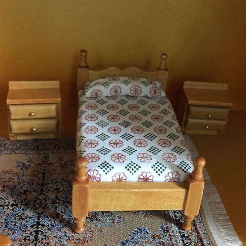 US $48.5 37% di SCONTO 1:24 Mobili Dollhouse giocattolo In Miniatura di  legno poltrona letto specchiera camera da letto set pretend gioca  giocattoli ...