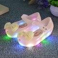 2017 moda mini melissa led luz sandalias de las muchachas niños arco zapatos de la jalea de melissa zapatos de flash led sandalias antideslizantes de alta calidad