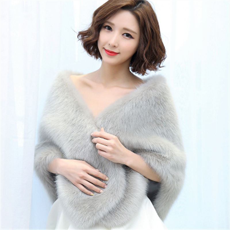 Bealegantom 2019 Cheap Red Black Big Warm Bolero Bridal Cape Winter Fur Women Jacket Bridal Cloaks Party Wedding Coat QA1492