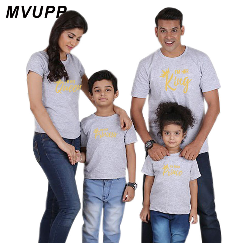 HTB1IRT oDJYBeNjy1zeq6yhzVXa6 Summer mother and daughter clothes family matching outfits mommy and me look tshirt father mom son baby clothing King Queen