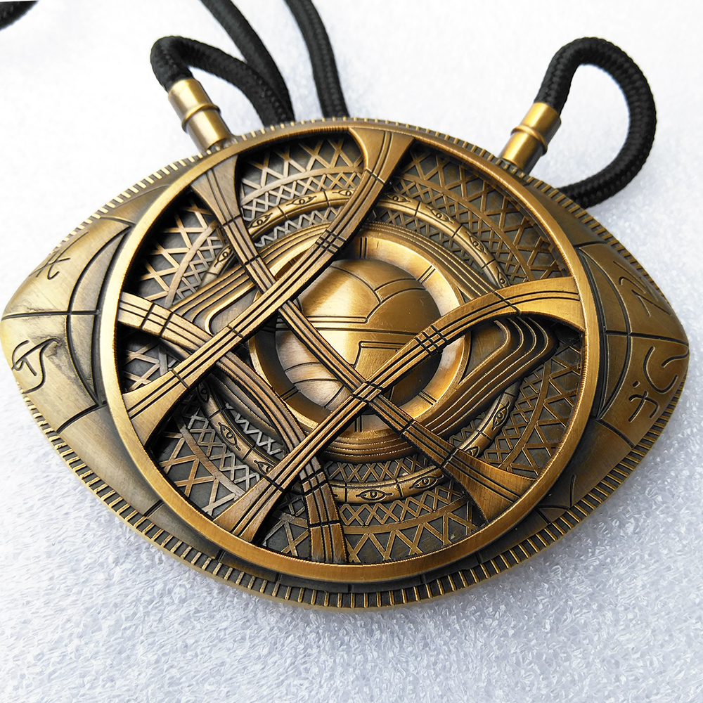 1:1 High Quality  Doctor Strange Necklace Eye Of Agamotto Amulet Antique Bronze Pendant  Long Necklace Cosplay Jewelry