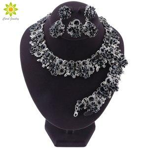 Image 1 - Luksusowy styl dubajski ślubne zestawy biżuterii kryształowe oświadczenie ślubny srebrny platerowany naszyjnik kolczyki zestaw prezent na boże narodzenie dla kobiet