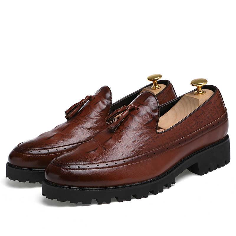 Nam tua Giày Oxford Mens Bằng Sáng Chế Leather Italy Giày Thường 2017 Luxury Dress Đảng Căn Hộ Đám Cưới Giày Nền Tảng Giày Đi Rong