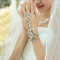 The New Bridal Wedding Dress Accessories Chain Bracelet Bridal Rhinestone Jewelry Bridemaid Hand Accessories Bracelets Bangles
