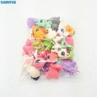 Saco Do Brinquedo 20 Pçs/saco SAINTGI aleatória Pouco Pet Shop LPS Brinquedos Animal Cão Gato Dos Desenhos Animados Figuras de Ação Coleção brinquedos Dos Miúdos presente