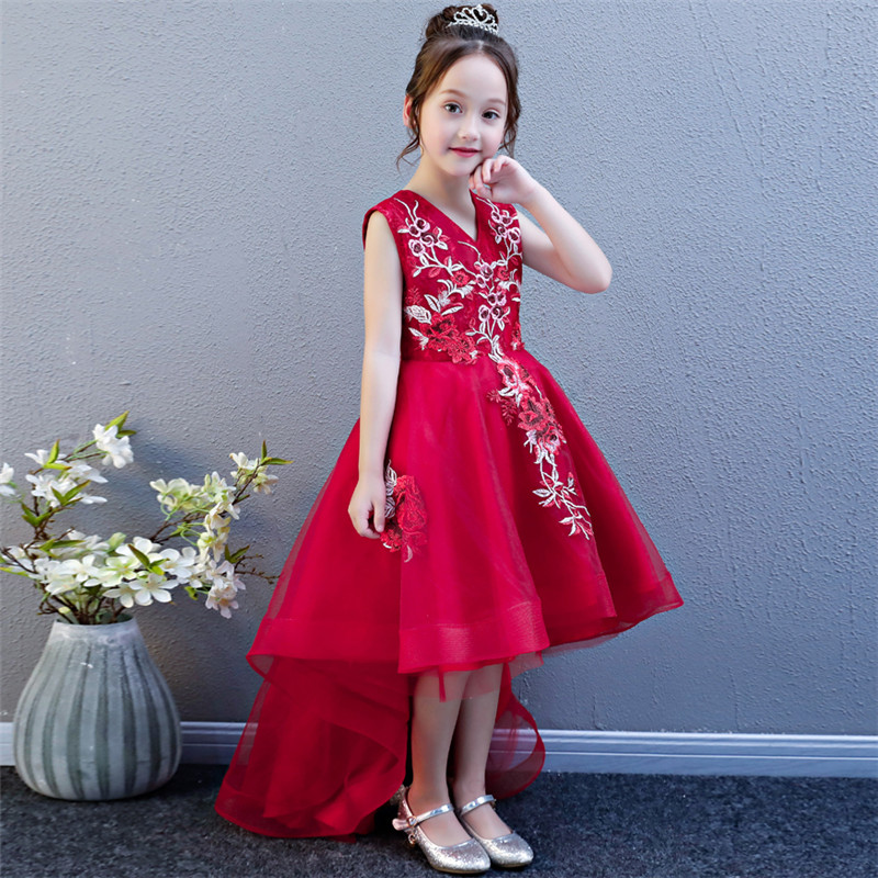 все цены на 2018 New Children Girls Luxury Red Color Embroidery Flowers Birthday Wedding Party Tail Dress Kids Teens Model Show Tail Dress онлайн