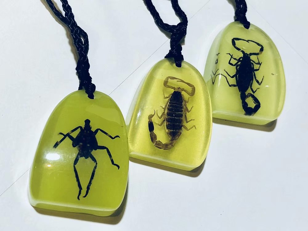 30 PCS black scorpion jewelry glow drop charming pendant