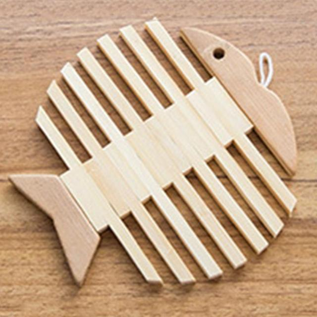 Fish Shaped Wooden Bamboo Table Mat Heat Pad Insulated Kitchen Insulation  Mats